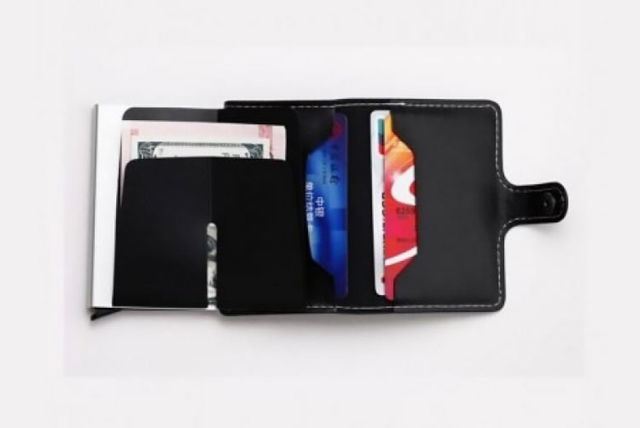 90139a679ab £5.99 instead of £29.99 for an RFID-blocking credit slider card wallet from  Electronic Store Limited - save 80%