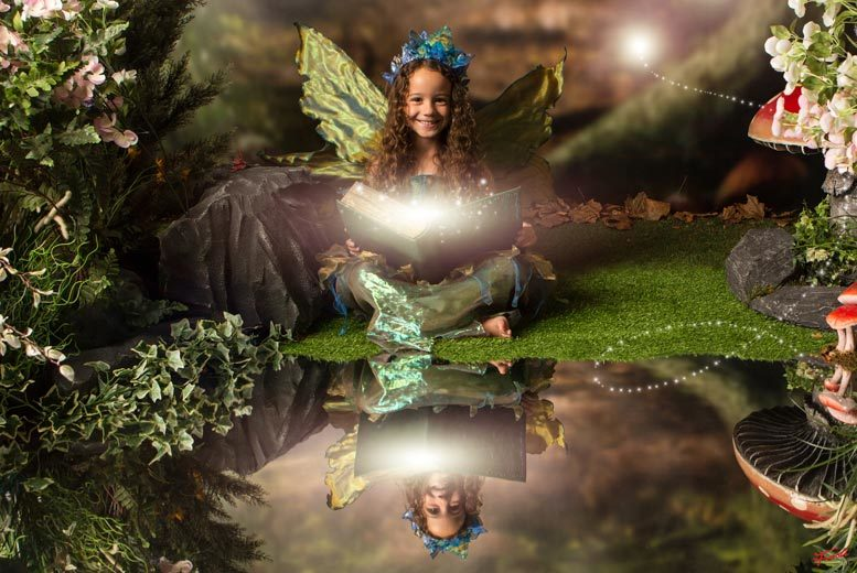 £15 instead of £180 for a fairy and elf photoshoot including two prints and two £50 vouchers at Enchanted By Click – choose from 90 locations and save 92%