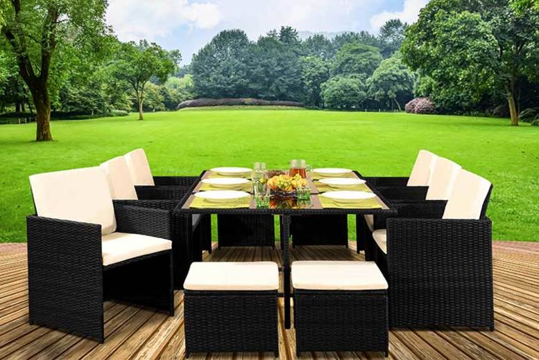 10-Seater Cube Rattan Dining Set with Optional Cover – 4 Colours! (£440)