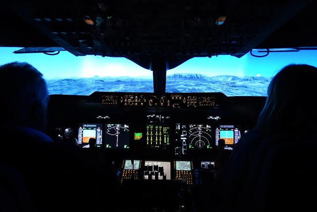 Motion Flight Simulator Experience - Boeing 737 or Airbus A320