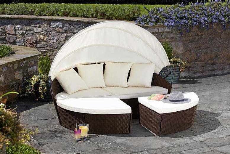 Brown Rattan Daybed – 2 Sizes & Optional Cover (£249)