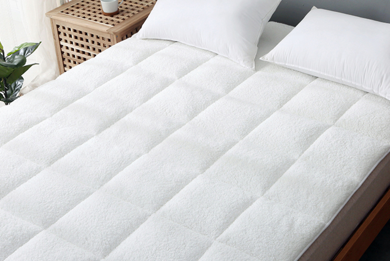 Fleece Mattress Topper – 5 Options! (£16.99)