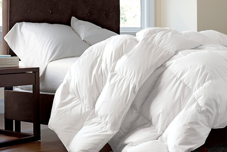 13.5 or 15 Tog Duck Feather & Down Duvet – 2 Options & 4 Sizes! (£19.99)