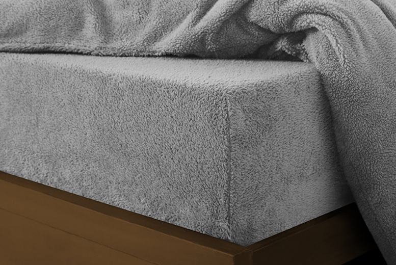 Teddy Fleece Fitted Sheet – 9 Colours & 3 Sizes (£9.99)