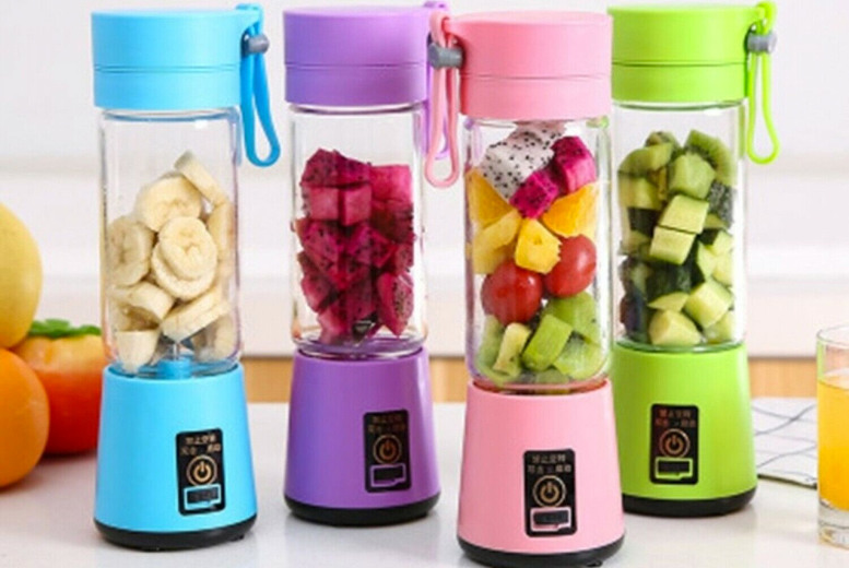 Image of £14.99 instead of £29.99 (from Pinkpree) for a four-blade portable blender - choose from four colours and save 50%