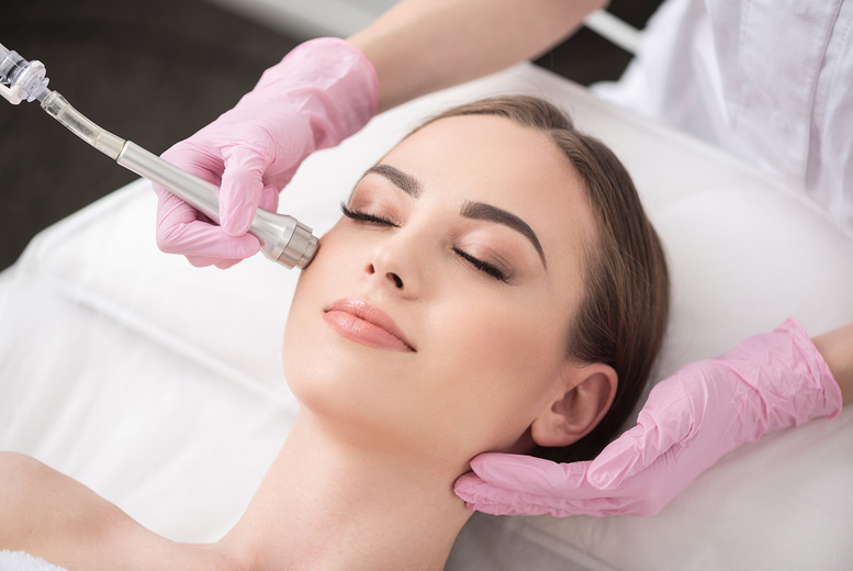 Image of £8 instead of £115 for an online Microdermabrasion course from BEKE College - save 93%
