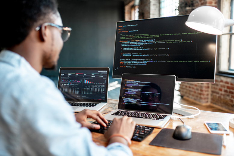 Image of £14 instead of £399 for an online 'Become A Professional Python Programmer' course bundle from e-Courses4You - save 96%