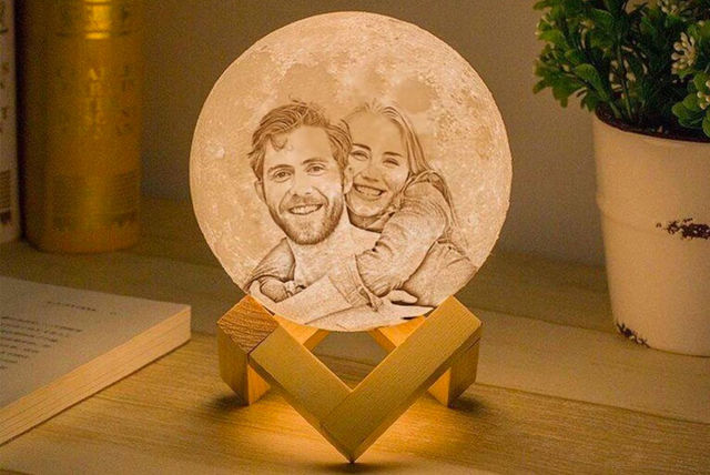 Personalised Moon Lamp WAS £36 NOW FROM £11.99 @ livingsocial
