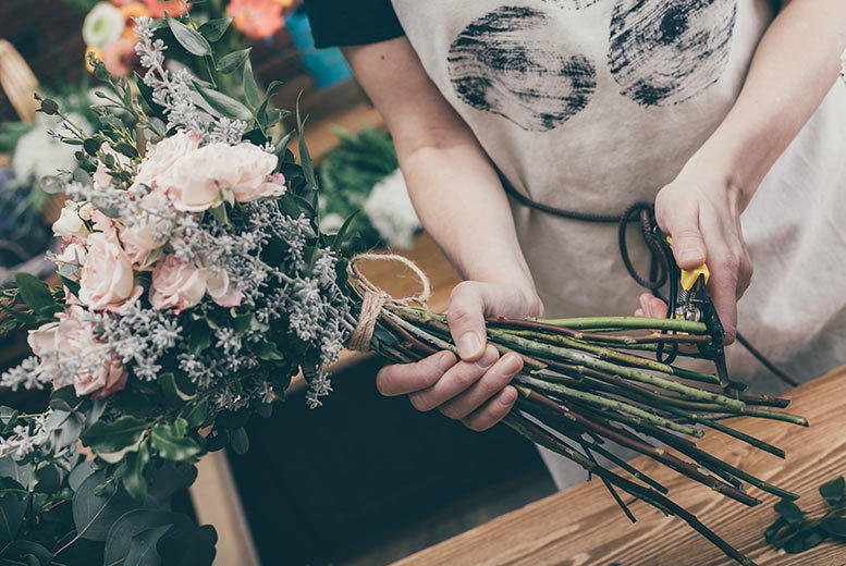 Image of £15 for an online flower arrangement workshop from Midas Touch Crafts