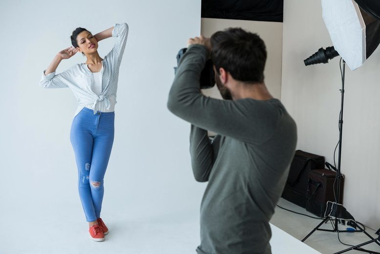 Image of £9 instead of £49 for a one-hour photoshoot for one person at Kamera Studios including a makeover using MAC products and three A4 prints - choose from two locations and save 82%