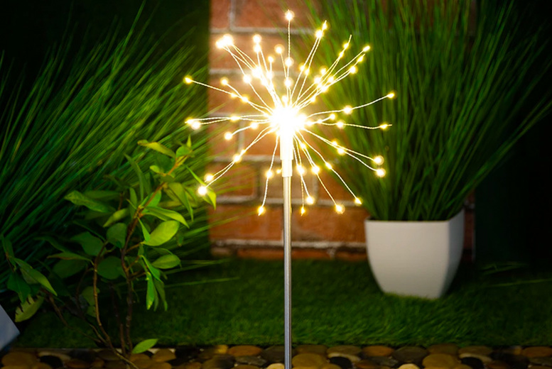 Image of £16.99 instead of £39.99 for a solar powered starburst stake light from Chimp Online - save 58%