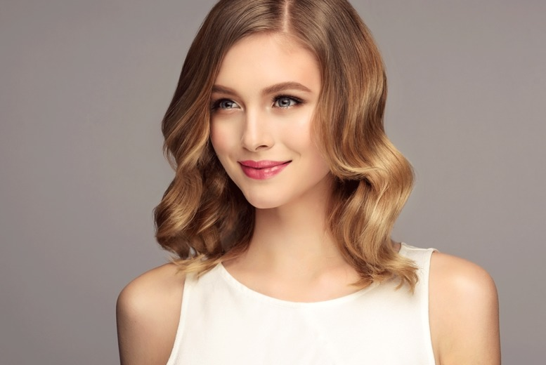 Image of £19 instead of £48 for a wash, cut and blowdry at Abella Unisex Hair & Beauty, Birmingham including a conditioning treatment - save 60%