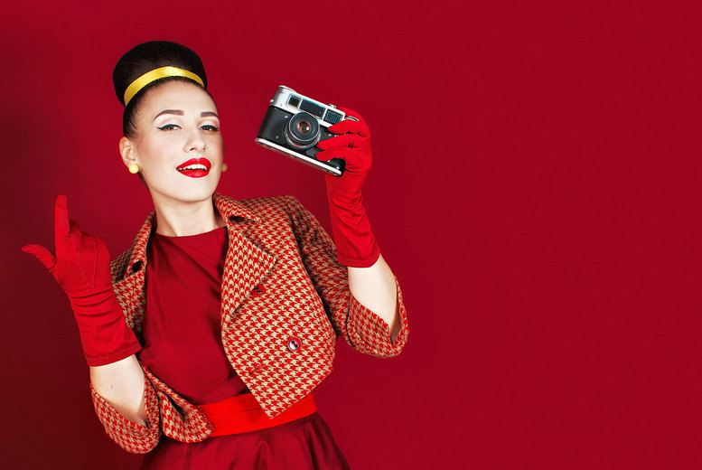 """Image of £10 instead of £150 for a pin up Peggy Sue style photoshoot at Nicola Bald Photography, Edinburgh including a digital screen saver, a 6x4"""" image and a key ring - save 93%"""