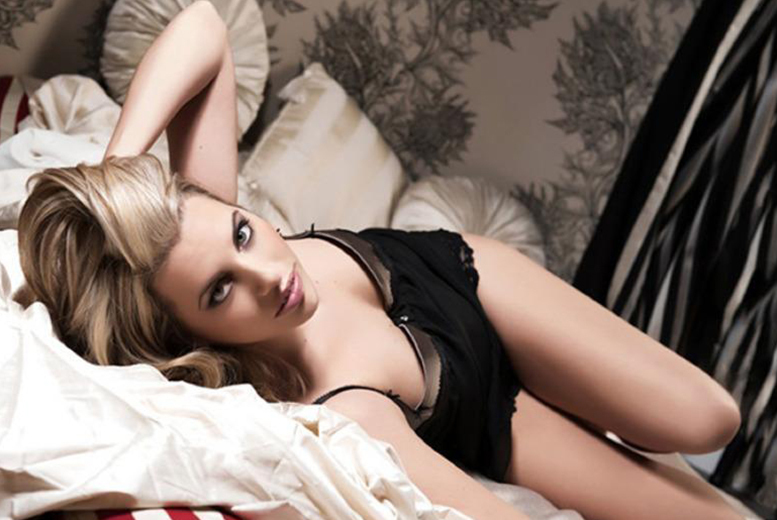"""Image of £10 instead of £175 for a one-hour boudoir or doudoir photoshoot at Nicola Bald Photography, Edinburgh including makeover, bubbly, a keyring, a 6"""" x 4"""" print and a digital image - save 94%"""