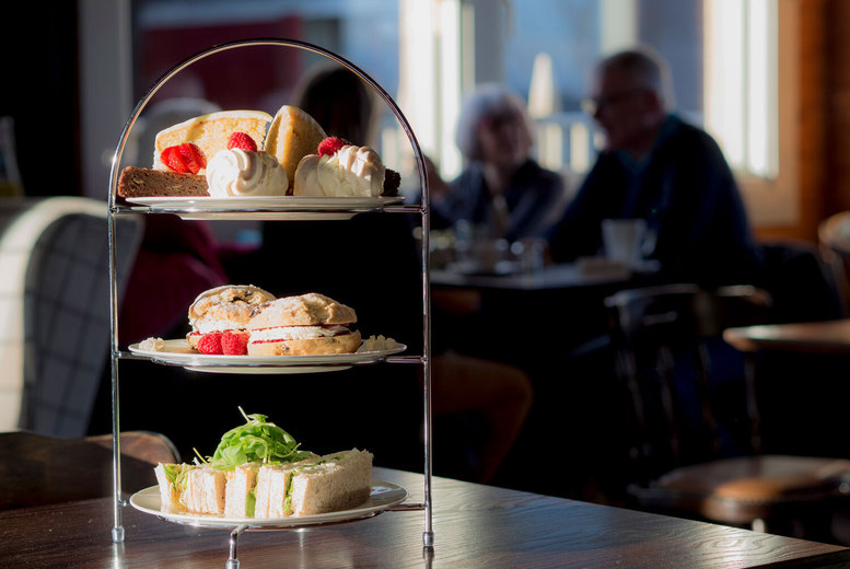 Image of £29 instead of £64.90 for an afternoon tea for two at East Sussex National Hotel, Uckfield including a bottle of Prosecco to share - save 56%