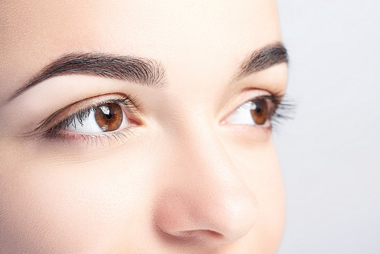 ?9 instead of ?12 for an eyebrow wax and tint at Stunning Nails & Beauty, Chorley - save 25%