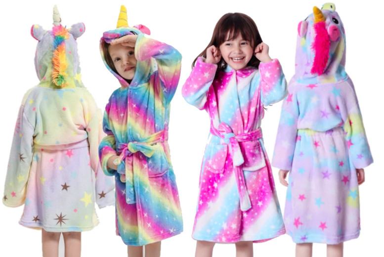 Image of £12.99 instead of £39.99 for a kids' hooded unicorn bathrobe in UK sizes 3-5yrs -9-10yrs from Vendinplus - save 68%