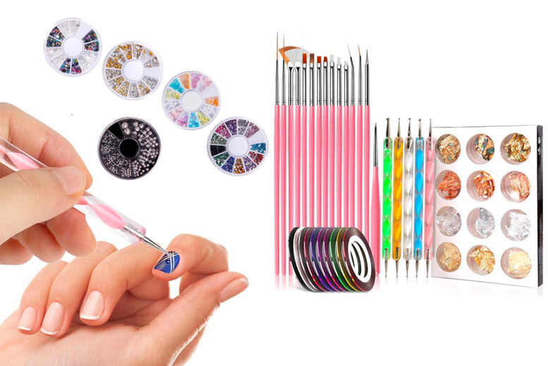 ?9.99 instead of ?29.99 for a nail art set in a choice of three colours from ArtherGold - save 67%