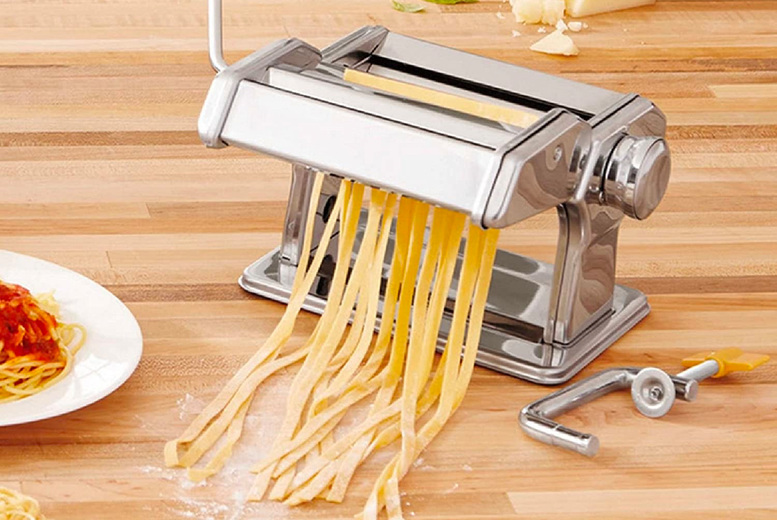 Image of £14.99 instead of £39.99 for a stainless-steel manual pasta making machine from Eurotrade - save 63%