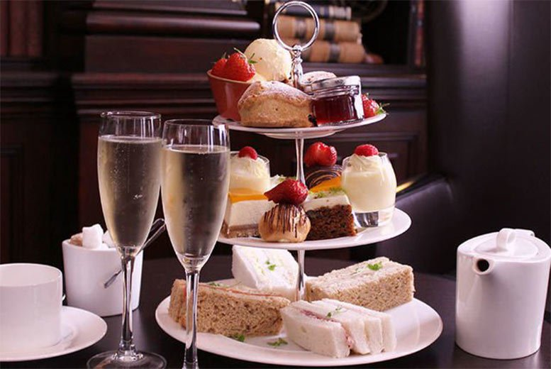 Image of £19 for a weekday afternoon tea for two with a glass of Prosecco each, £23 for a weekend unlimited buffet for two with a glass of Prosecco each, or from £29 to include a bottle of Prosecco at 4* DoubleTree By Hilton - save up to 54%