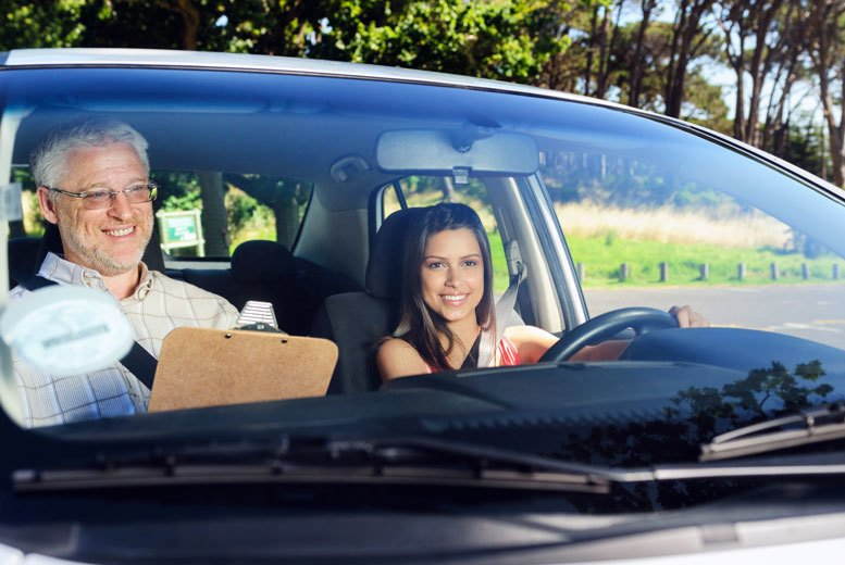 Image of £24.95 for a 30-minute junior driving training lesson from 1st Choice, £49 for 60-minutes - choose from over 12 locations!