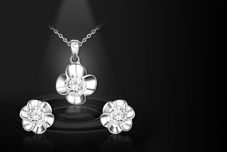 Image of £8 instead of £99.99 for a two-piece crystal flower set - choose from three colours from Evoked Design - save 92%