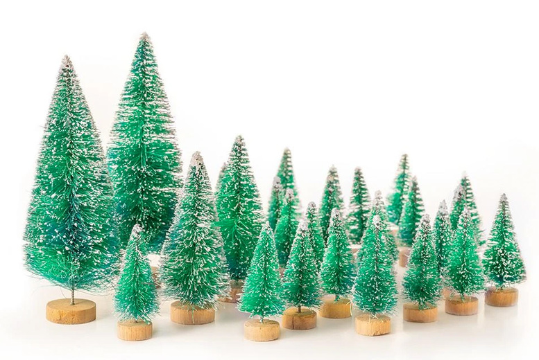 Image of £5.99 instead of £29.99 for a 28-piece mini Christmas tree set from Chimp Online - save 80%