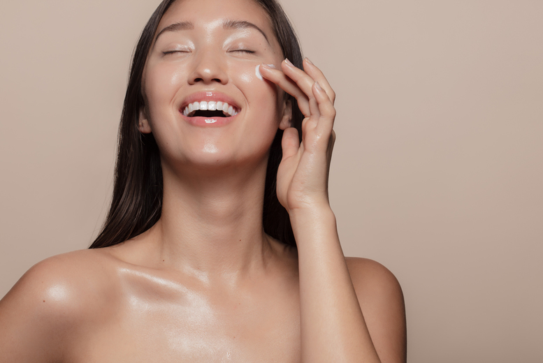 Image of £19 instead of £30 for a 45-minute mini vegan glow facial at Make Up, Brows & Lashes by Ina, Glasgow. £26 for a 60-minute luxury vegan glow facial - save up to 37%