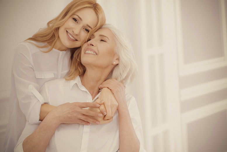 Image of £19 instead of £190 for a mother and daughter makeover using MAC products, photoshoot including champagne, ten prints of two digitally enhanced images and a goody bag with a MAC product at Fashion Haus, Shoreditch - save 90%