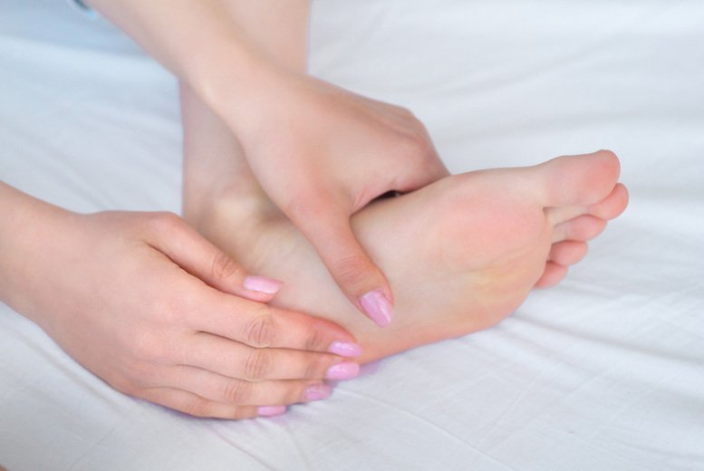 Image of £16 instead of £199.99 for an online advanced reflexology diploma from Online Beauty Training - save 92%