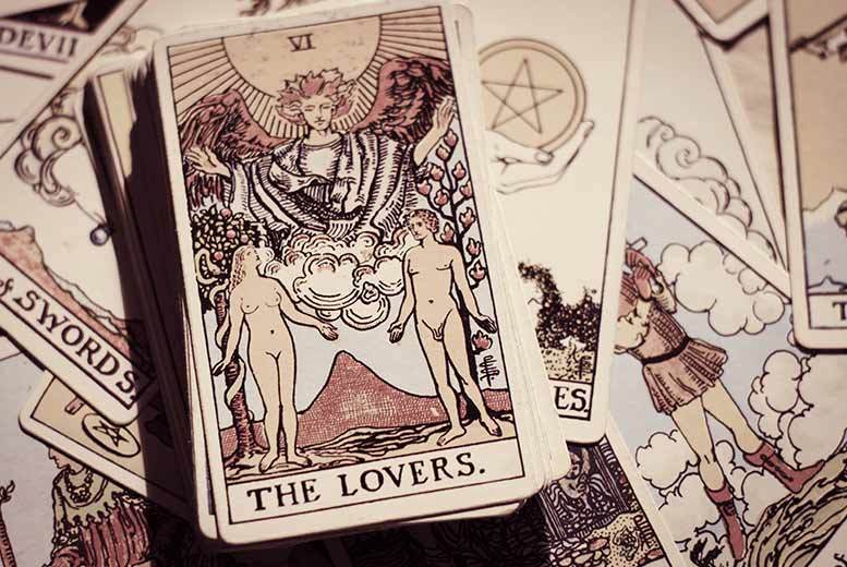 Image of £6 for a 'love' email tarot reading from Mystic Reader