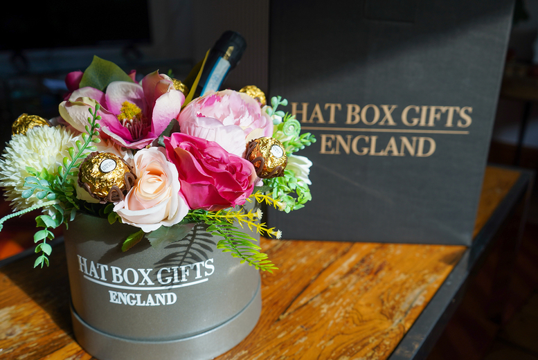 Image of £2.50 for 25% off hat box gifts at Celebrate Gifts - shop an array of hat boxes from chocolates, flowers, soaps and more!