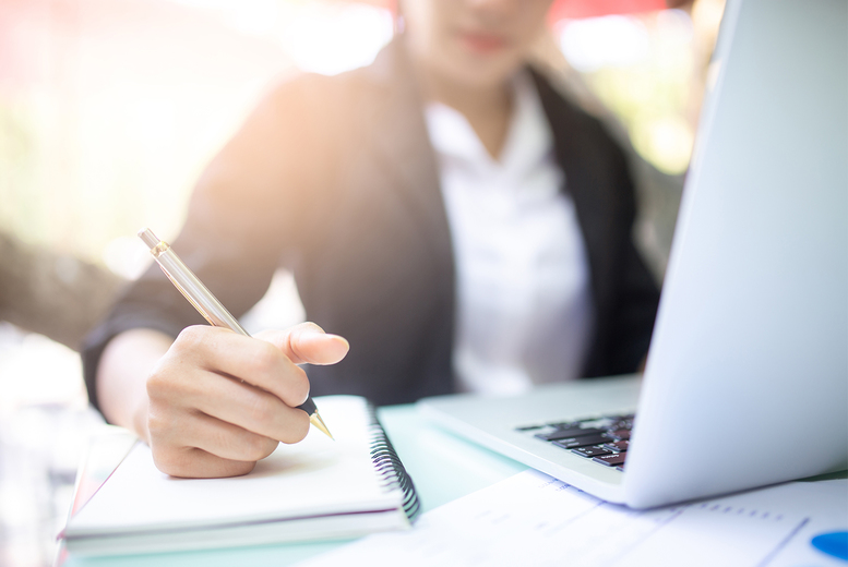 Image of £8 instead of £349 for an interview skills online course from 1Training International - reveal the secrets and tips to successful interviewing!