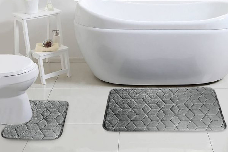Image of £7.99 instead of £29.99 for a bath mat and pedestal mat set from Fusion Online - save 73%