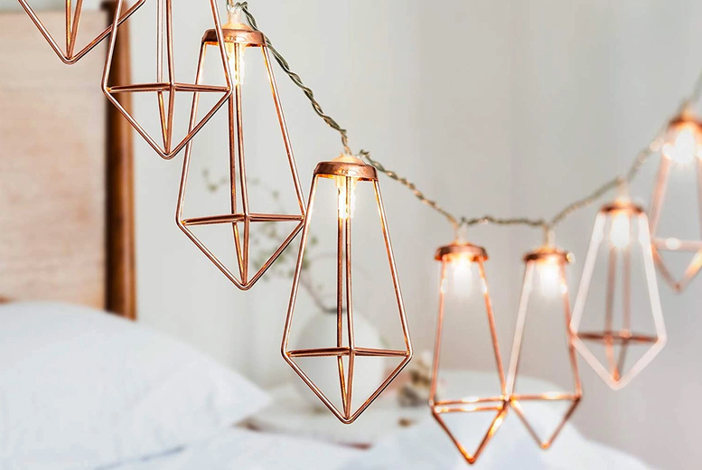 Image of £12.99 instead of £29.99 for 20 geometric diamond string lights from VendinPlus - save 57%