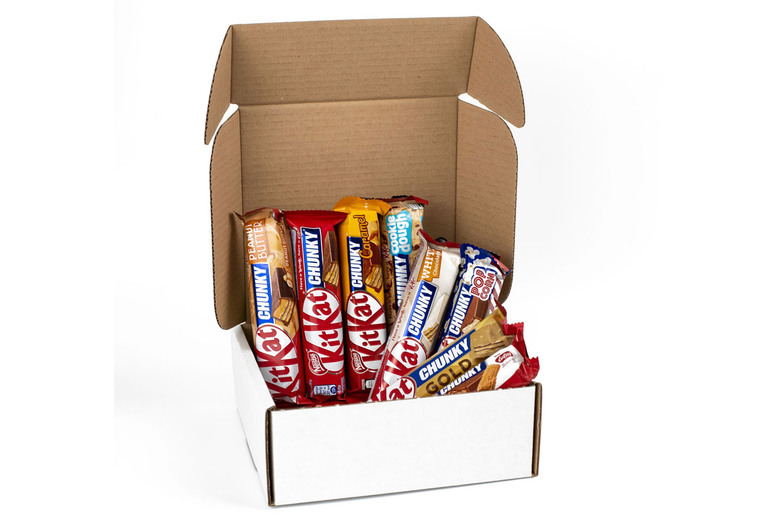 Image of £9.99 for an eight-piece Kit Kat Chunky hamper from GB Gifts including eight international flavours - try flavours from Egypt, Dubai, Australia and more!