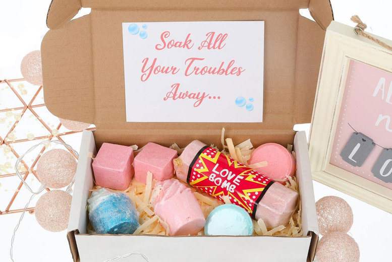 Image of £12.50 instead of £25 for a bath bomb or bath fizzer gift box hamper with six relaxing products from Always Looking Good - get your hands on some soakable serenity and save 50%