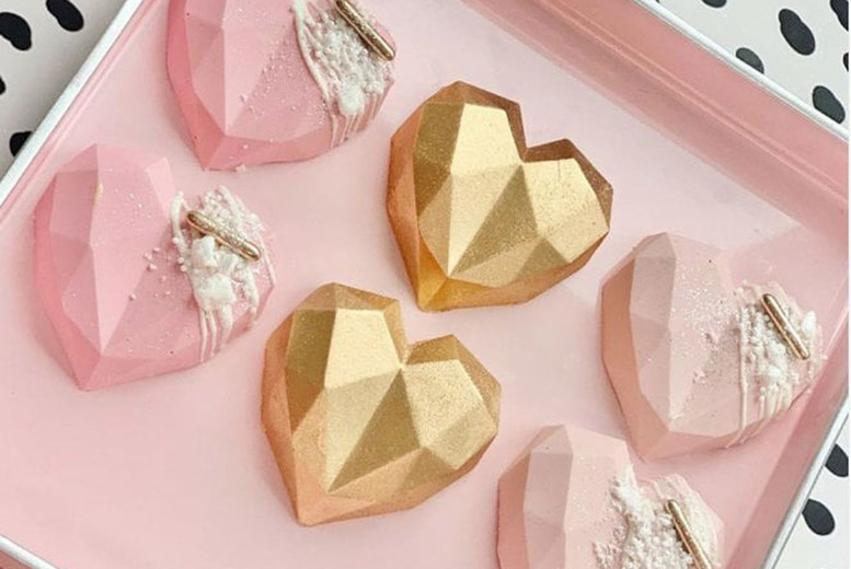 Image of £7 instead of £24 for 3 cupcakes and 3 geode cake pops from Buckley's Bakery, or 6 cupcakes and 6 geode cake pops for £13 - save up to 71%
