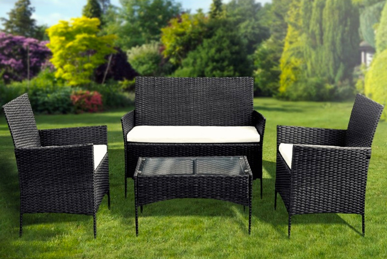 Image of £179 instead of £499 for a four-piece Keplin polyrattan garden furniture set from Blackfeather - save 64%