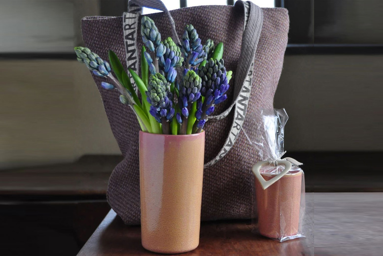 Image of £48 instead of £98 for a luxury candle and vase gift set from ANTA, £87 to include a carpet bag - save up to 50%