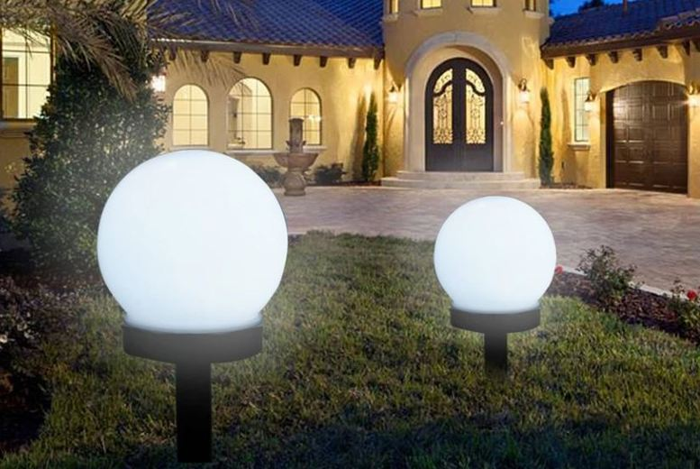 Image of From £9.99 for a Round Solar Hanging LED Lights from Domo Secret - save up to 67%
