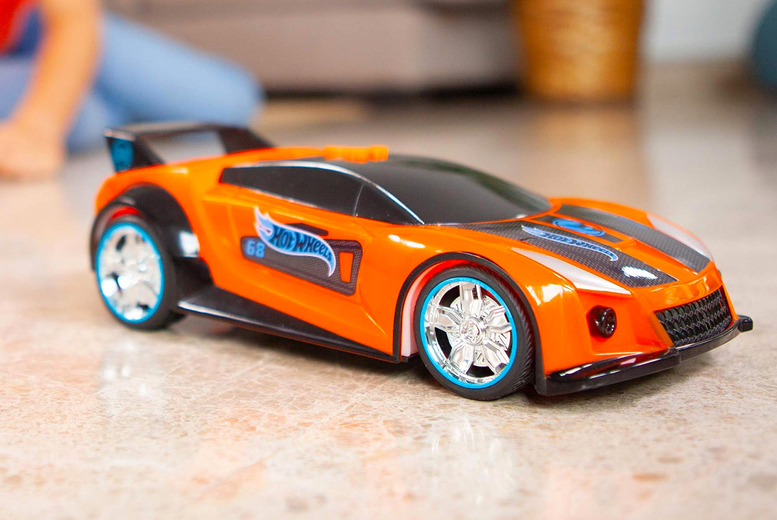 Image of £13.99 instead of £19.99 for a children's hot wheels spark racers quick n'sik toy from Bladez Toys - save 20%