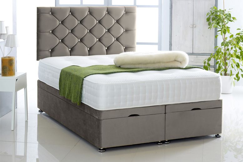 Image of From £299 instead of £820 for a 3ft single Chesterfield Divan bed with headboard from Comfy Deluxe - choose your size and colour! - Save 64%