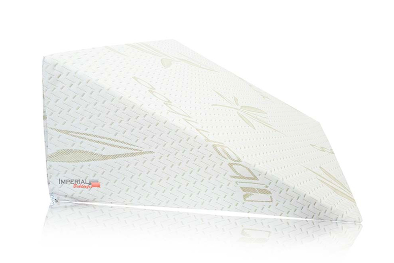 Image of £12.99 instead of £74.99 for a bamboo 'bed wadge' pillow with removable cover from Imperial Beddings - save 83%