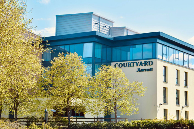 Image of A Paisley, Glasgow stay at Courtyard by Marriott Glasgow Airport for two people with breakfast, pizza dinner with soft drinks and late checkout. £69 for one night, or £119 for two night - save up to 49%