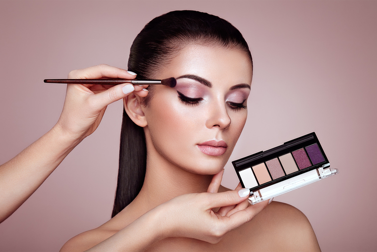Image of £26 instead of £150 for a three-hour makeup masterclass with a glass of Prosecco from Glamour Makeup Academy - choose from eight UK locations and save 83%