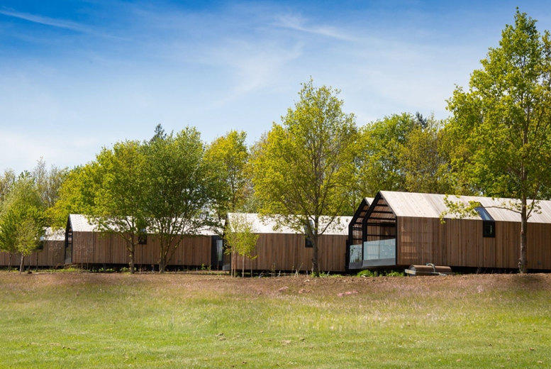 Image of A Cotswolds lodge stay at Feldon Valley for two people with breakfast and one glass of Prosecco each. £119 for one night, £219 for two nights or £309 for three nights - save up to 46%