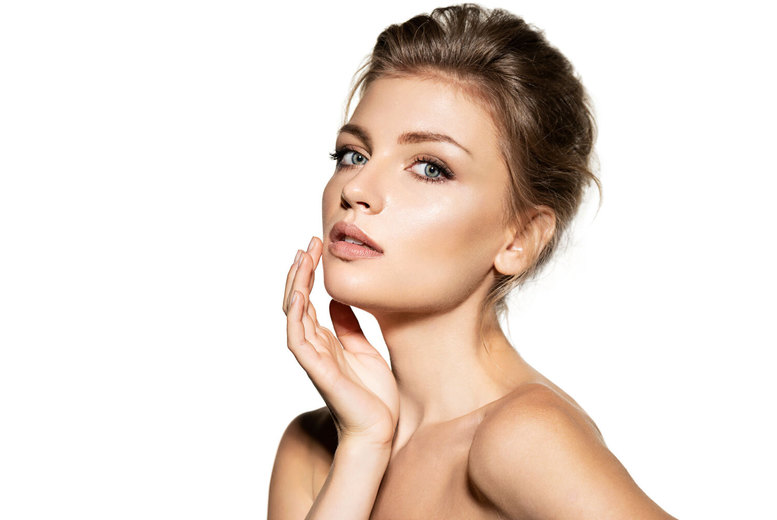Image of £79 instead of £280 for a 0.5ml dermal filler treatment on a choice of area at Carbon Blush, Harley Street, or £99 for a 1ml treatment - save up to 72%