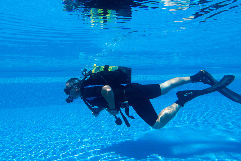 Image of £9 instead of £29.99 for a scuba diving 'try dive' experience for one person by Cardiff Octopus Diving Club at Hebron Community Hall. £16 for two people - save up to 70%