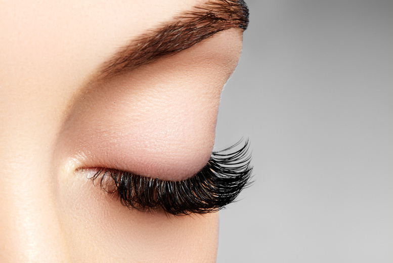 Image of £19 instead of £40 for a full set of eyelash extensions at C & M Laser, Leicester - save 53%